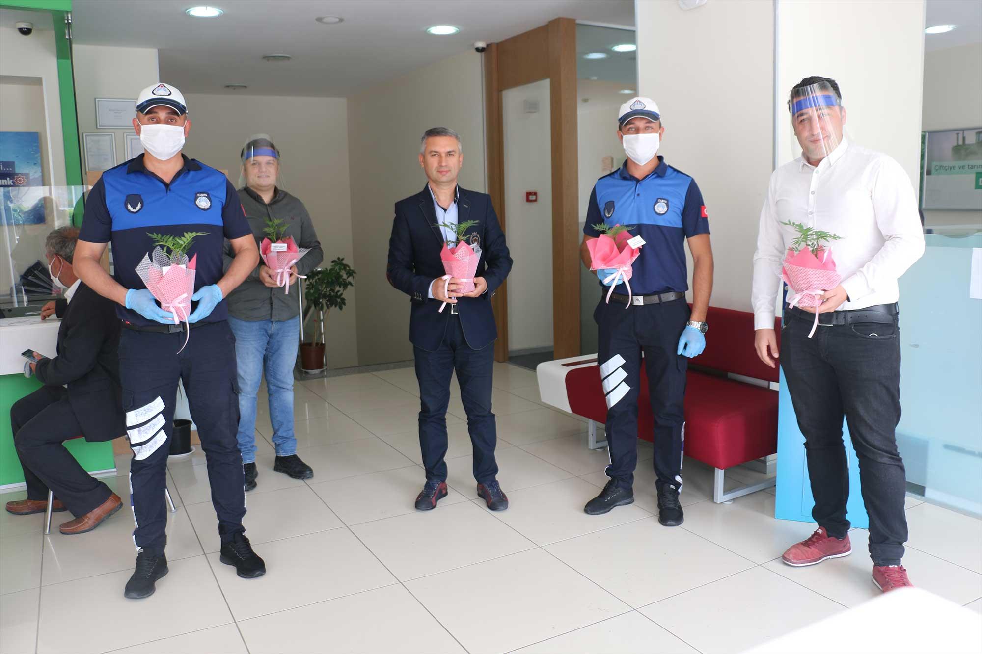 Bayramiç Belediyesi, Bankacılar Günü'nü kutladı