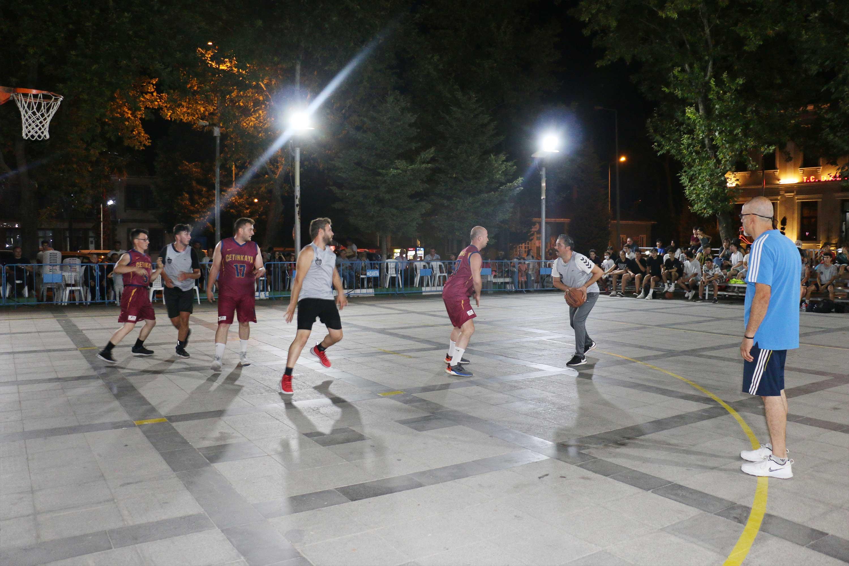 Bayramiç'te streetball heyecanı başladı.