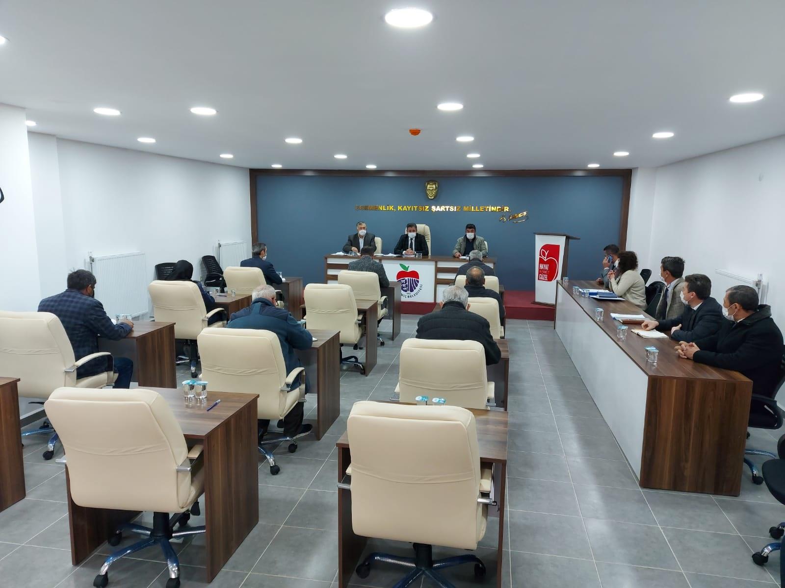 Yeni meclis salonunda ilk toplantı yapıldı