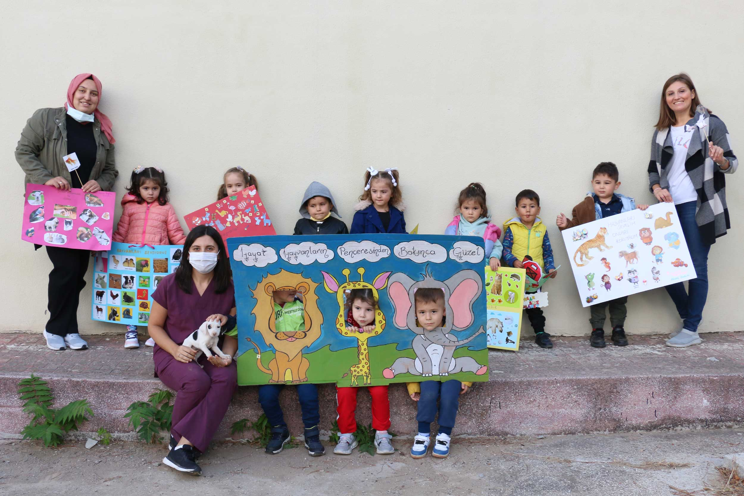 Hayvanları Koruma Günü'nde çocuklara hayvan sevgisi aşılandı