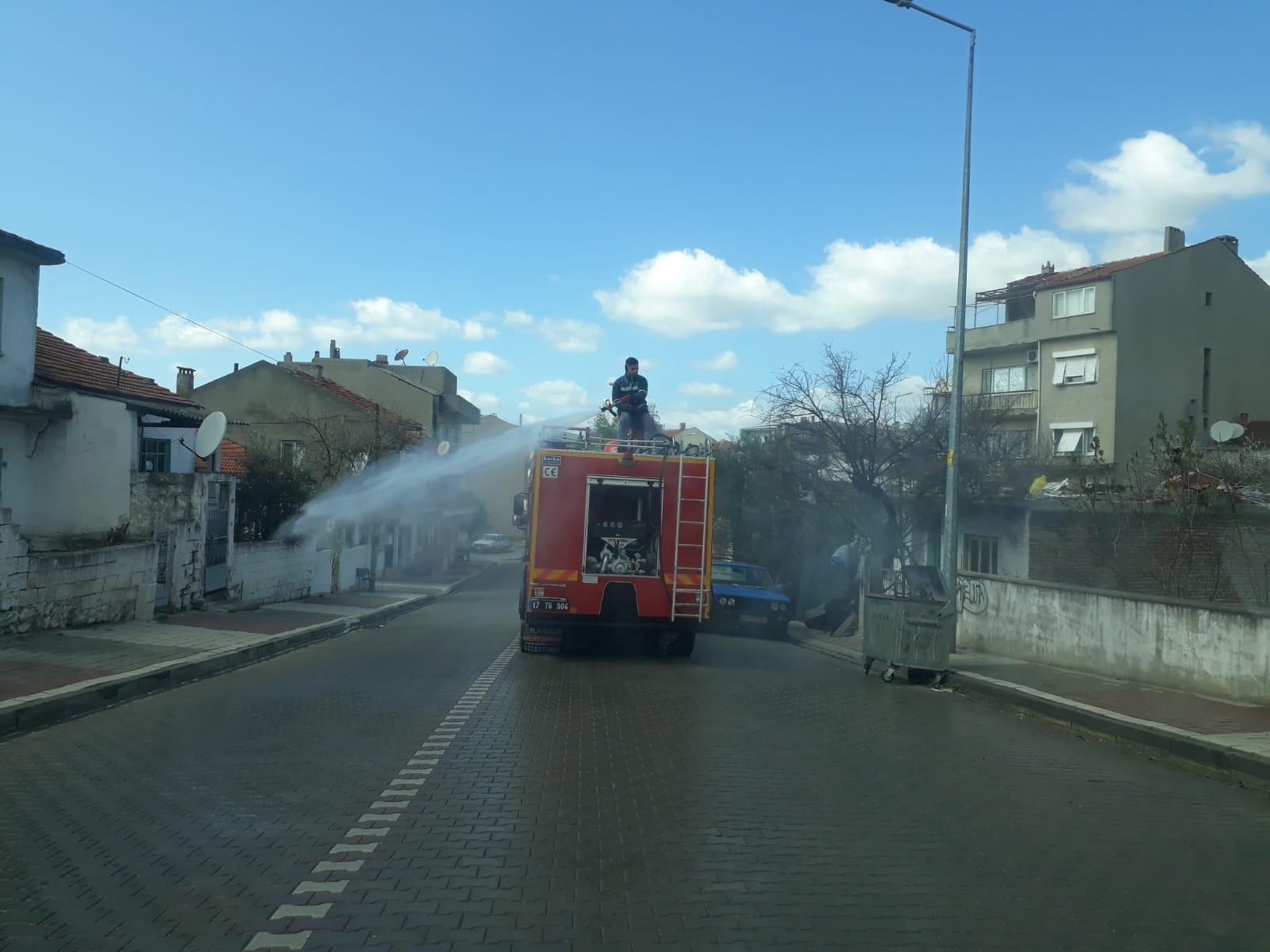 Bayramiç Belediyesi, ilçeyi dezenfekte etti
